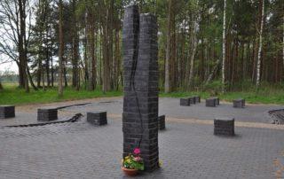 Gedenkplatz mit den Namen der Opfer des KZ Wöbbelin