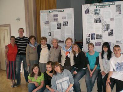 Überlebende aus Polen und Schüler aus Stralendorf