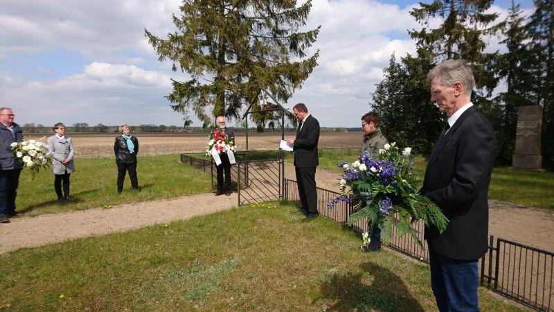 Gedenken am Ehrenfriedhof in Sülstorf, April 2020, Foto: MuG Wöbbelin