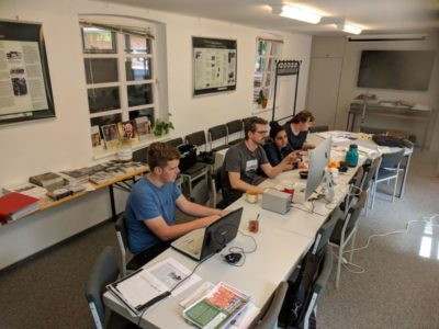 Die Schüler und Schülerinnen des Ludwigsluster Goethegymnasiums bei der Projektarbeit