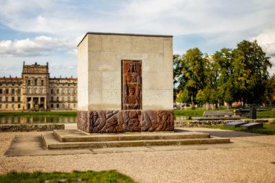 """Denkmal und Ehrenfriedhof """"Am Bassin"""" (Foto: Björn Pauli)"""