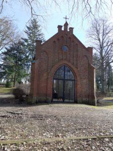 Kapelle des Todesmarsches auf dem Crivitzer Friedhof (Foto: Dörte Kantwill)