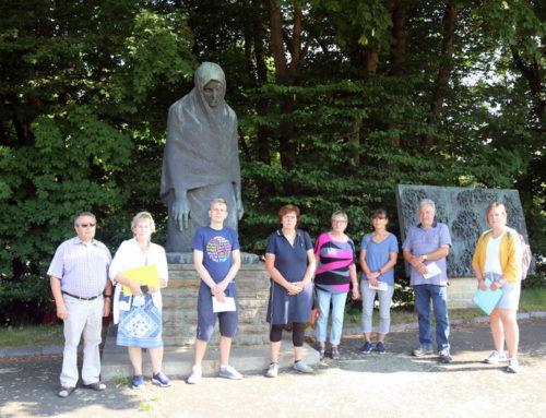 Exkursion zu den Gedenkstätten des Todesmarsches